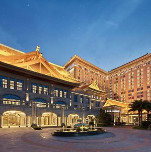 Howard Johnson By Wyndham Jimei Lake Plaza Xiamen photos Exterior
