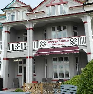 Sefton Lodge Seafront ,Panoramic Sea View Ensuite Balcony Rooms Available, Guest Garden photos Exterior