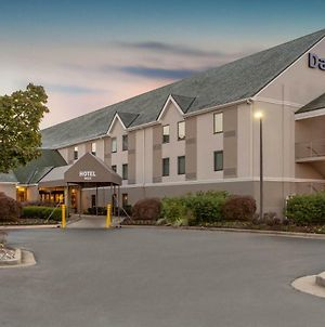 Days Inn By Wyndham Lanham Washington D.C photos Exterior