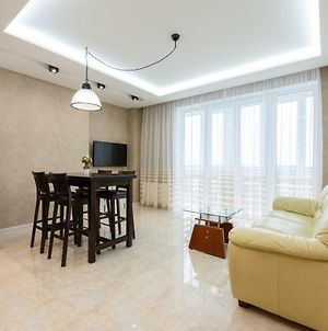 """Deluxe Apartment On Belorusskay Street """"Silver Tower"""" photos Exterior"""
