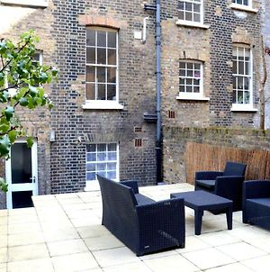 Oyo Home Kings Cross-St Pancras Garden 4 Bedroom photos Exterior