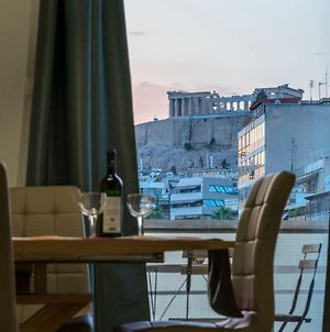 Bright 2 Bedrooms Apt. In The Heart Of Athens W Stunning Views To Acropolis photos Exterior