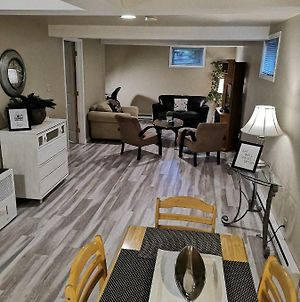 Fully Furnished On Broadway In Moncton photos Exterior
