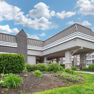 Clarion Hotel And Conference Center Harrisburg West photos Exterior