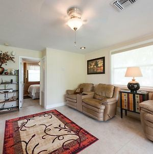 Gulf Beauty, 2 Bedrooms, Gulf Side Cottage, Sleeps 4 Vr photos Exterior