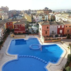 Valencia, Ideally Located 3Bed-2Bath Apart.Few Mints Walk From Beach,Pool,Shop. photos Exterior