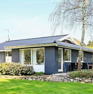 Three-Bedroom Holiday Home In Millinge 1 photos Exterior