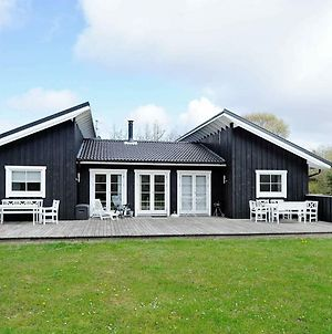 Four Bedroom Holiday Home In Blavand 11 photos Exterior