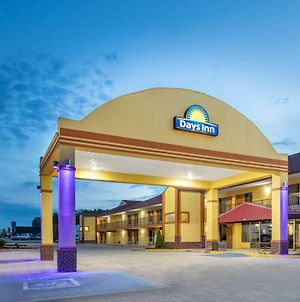 Days Inn By Wyndham Muscle Shoals photos Exterior
