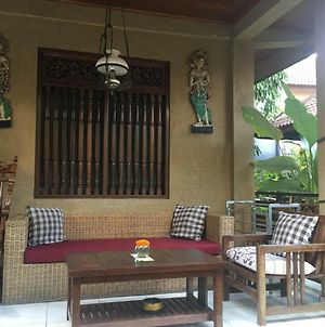 Budi'S Guest House photos Exterior