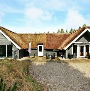 Four Bedroom Holiday Home In Blavand 7 photos Exterior