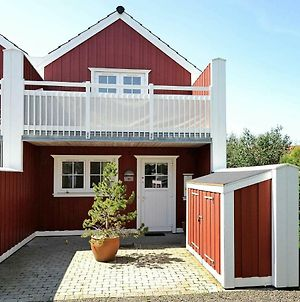 Two-Bedroom Holiday Home In Blavand 4 photos Room