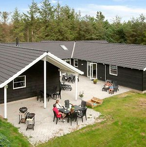 Nine Bedroom Holiday Home In Blavand 2 photos Exterior