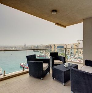 Contemporary Luxury Apartment With Valletta And Harbour Views photos Exterior