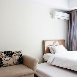 Comfortable Studio At Beverly Dago Apartment Near Itb By Travelio photos Exterior