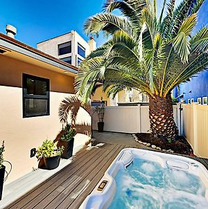 New Listing! 2-Units With Hot Tubs, Walk To Beach! Townhouse photos Exterior