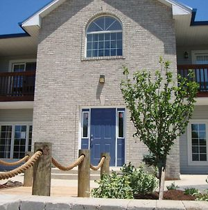 Put-In-Bay Poolview Condo #6 photos Exterior