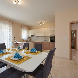 Apartments With A Parking Space Seget Donji, Trogir - 17755 photos Exterior