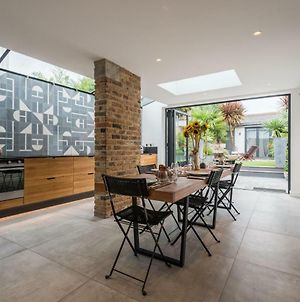 Beautiful Chiswick Home With Garden Vr photos Exterior