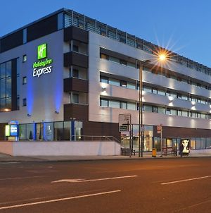 Holiday Inn Express London - Golders Green photos Exterior