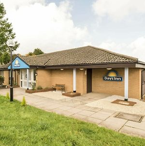 Days Inn By Wyndham Sutton Scotney North photos Exterior