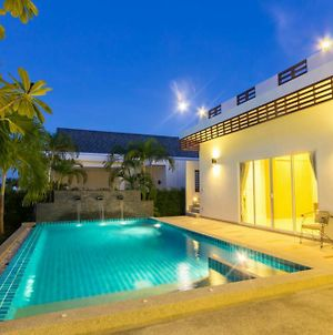 Luxury House In Hua Hin photos Exterior
