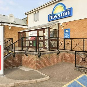 Days Inn Watford Gap photos Exterior