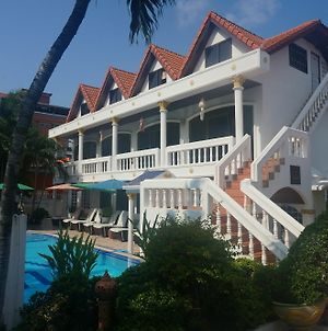Villa Oranje Pattaya photos Exterior
