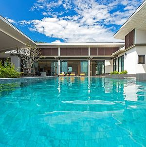 Casabay Luxury Pool Villas photos Exterior
