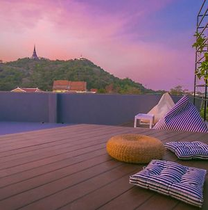 Chedi View Hostel & Rooftop Bar photos Exterior