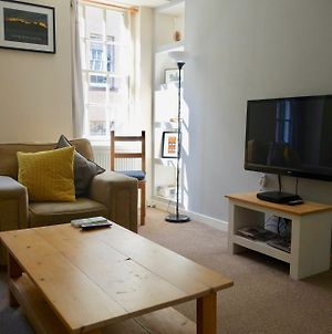 1 Bedroom Apartment Near Edinburgh Castle photos Exterior