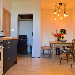 2 Bedroom Flat With Views Of Holyrood photos Exterior