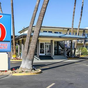 Motel 6 San Diego Airport/Harbor photos Exterior