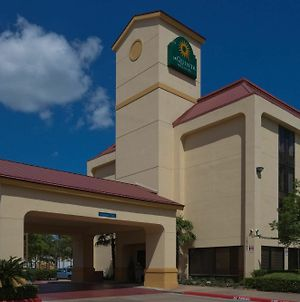 La Quinta Inn & Suites By Wyndham Houston Stafford Sugarland photos Exterior
