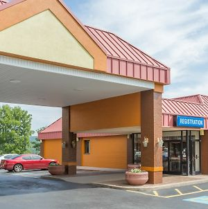 Days Inn By Wyndham Bristol photos Exterior
