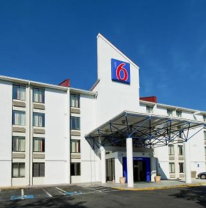 Motel 6 Washington Dc Sw Springfield Va photos Exterior