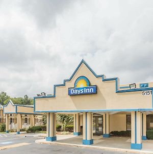 Days Inn By Wyndham Camp Springs Andrews Afb photos Exterior