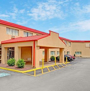 Howard Johnson By Wyndham Pikesville photos Exterior