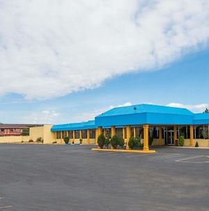 Days Inn & Suites By Wyndham Clovis photos Exterior