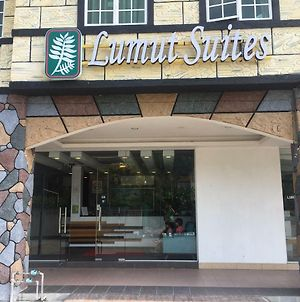 Lumut Suites photos Exterior