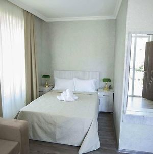 De-Lux Double Room 5 Minutes From The Batumu Water Front Enjoy Your Stay photos Exterior