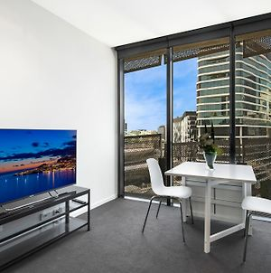 Farina 1Bdr Docklands Apartment photos Exterior