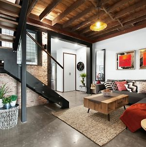 Unique- Superb New York Loft Style 3 Bed Townhouse photos Exterior