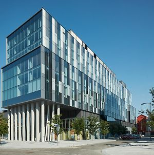 Residence & Conference Centre - Toronto Downtown - George Brown College photos Exterior