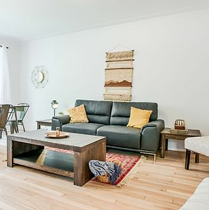Serene 3Br In Cote Des Neiges By Sonder photos Exterior