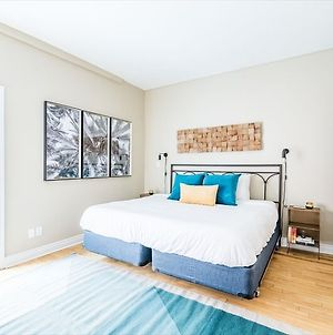 Bright 3Br In Church Yonge Corridor By Sonder photos Exterior