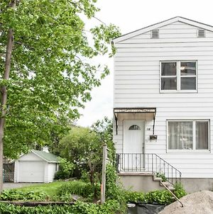 Home In Trendy & Vibrant Westboro photos Exterior