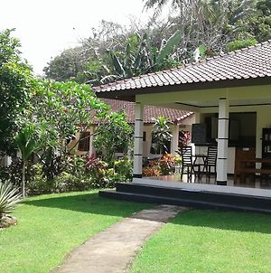 Indah Homestay photos Exterior