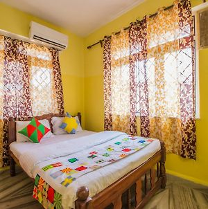 Oyo 11354 Home Beach View 3Bhk Dona Paula photos Exterior