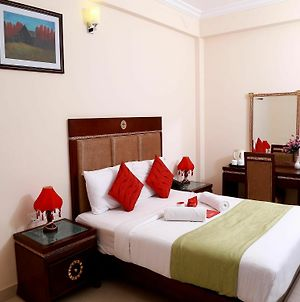 Oyo Rooms Pattom Marappalam Road photos Exterior